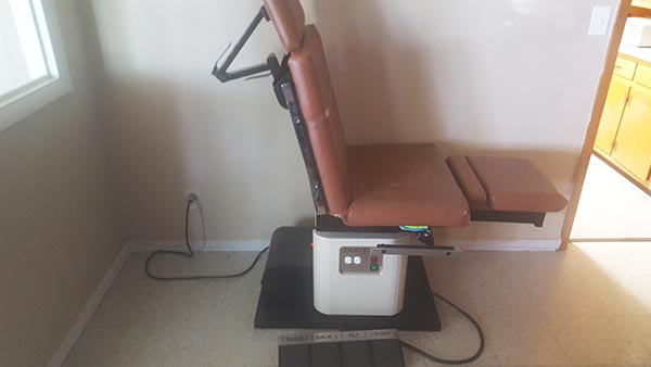 ENOCHS Power 6000 Hydraulic Exam Chair